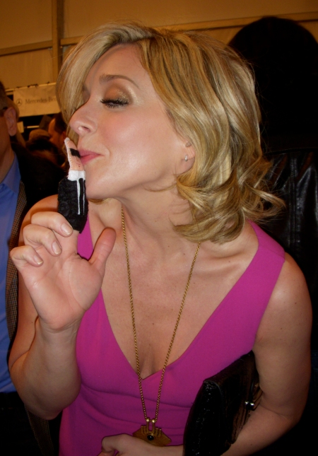 Jane Krakowski loves Karl and Karl loves her back. And her front.